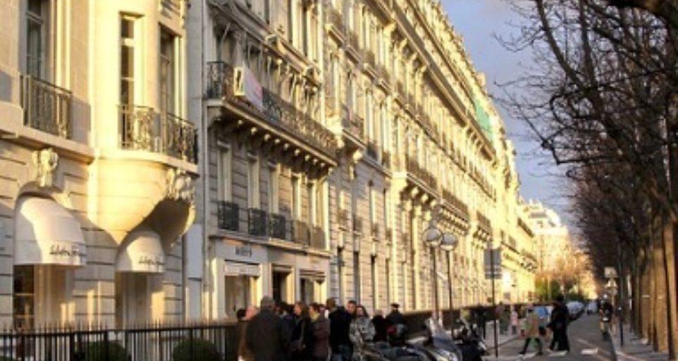 Apartment in Avenue Montagne Paris