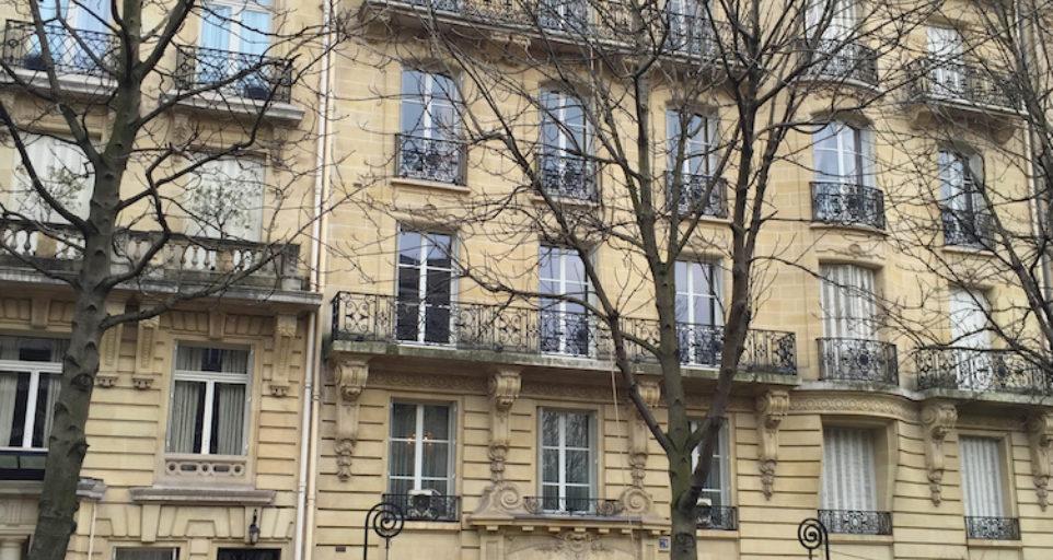 Elegant penthouse in the center of Paris