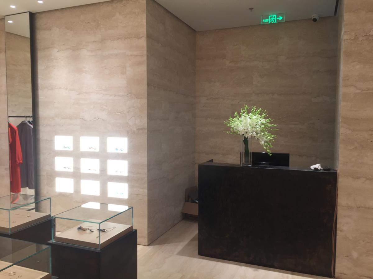 Бутик в центре Даляньской моды внутри отеля Шангри-Ла