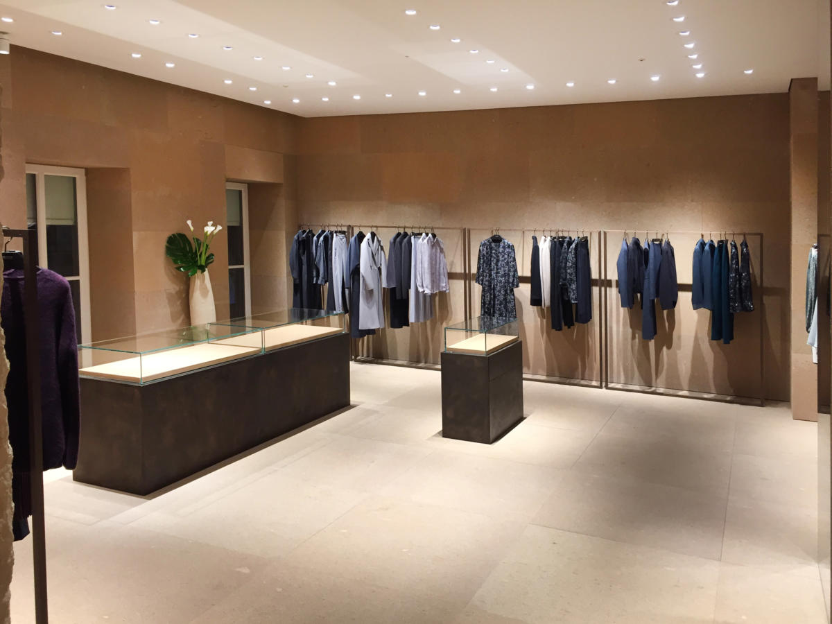 Extention of the shop in Monte Napoleone Milan