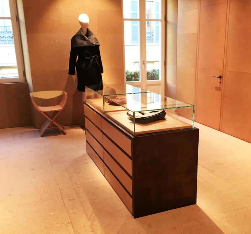 Negozio nel centro della moda Via Monte Napoleone